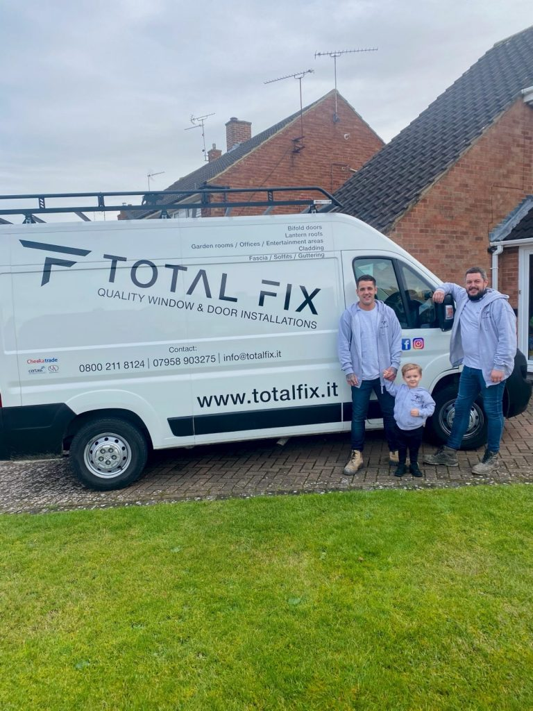 Total fix team members with van